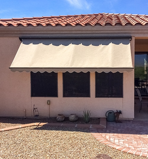 Solana Awning with Protective Hood, Scalloped