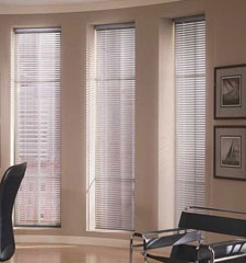"Riviera 1/2"" metal blind shown in color White"